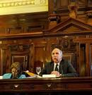 La Corte declaró inconstitucional un decreto de De La Rúa que redujo la coparticipación sin autorización del Congreso