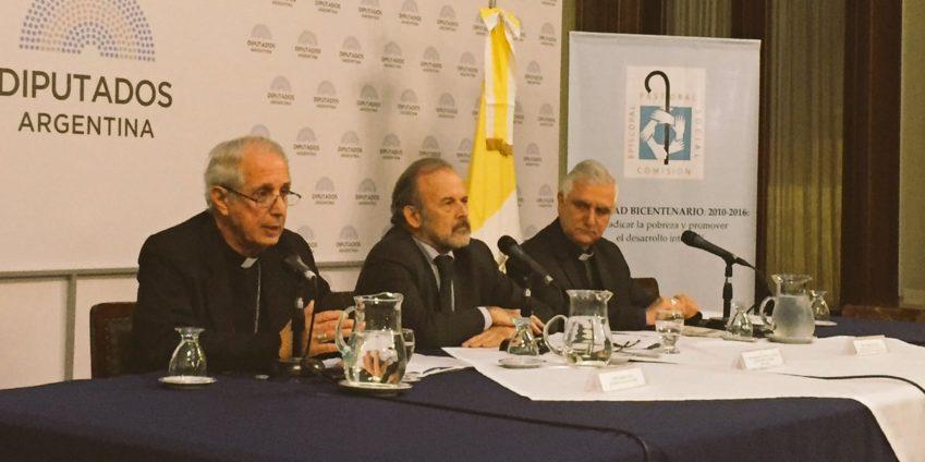 """Con el cardenal Mario Poli, comenzó el encuentro """"Repensando la política 2016"""""""