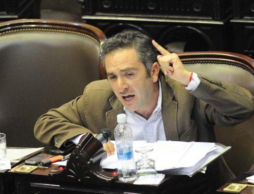 """Larroque cruzó a Lavagna: """"Tiene vínculos importantes con los grupos económicos"""""""