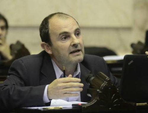 Acto de Moyano: diputado radical acusa al FPV de desestabilizador