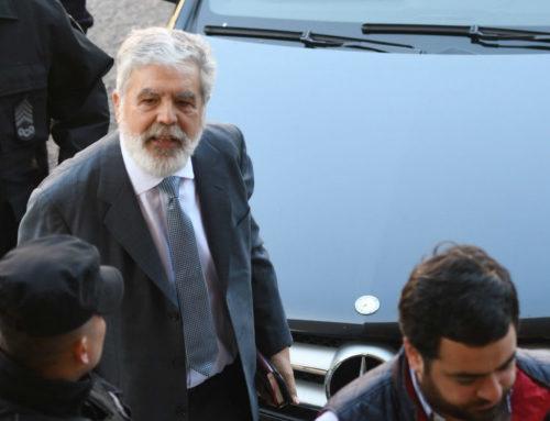 De Vido pidió licencia a su cargo de diputado nacional pero el desafuero se trata igual