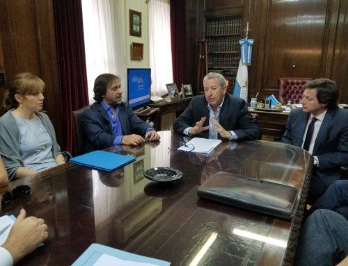 Cobos se reunió con productores por ley de eventos públicos masivos