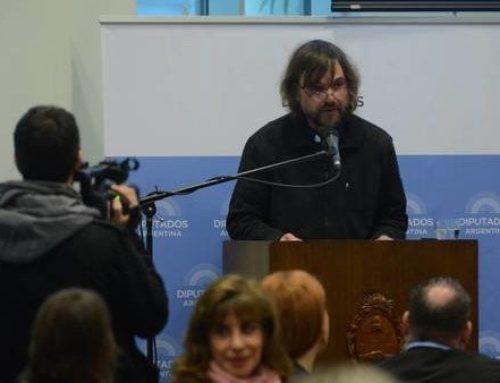 "Padre Pepe: ""Aborto es FMI y FMI es aborto"""