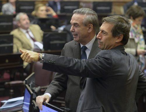 Mientras Cambiemos avisa que analiza propuesta de los gobernadores, el peronismo confirma que firmará dictamen