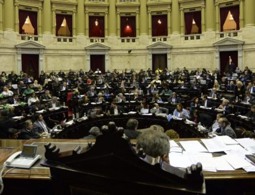 Media sanción para la ley que propone la interrupción voluntaria del embarazo