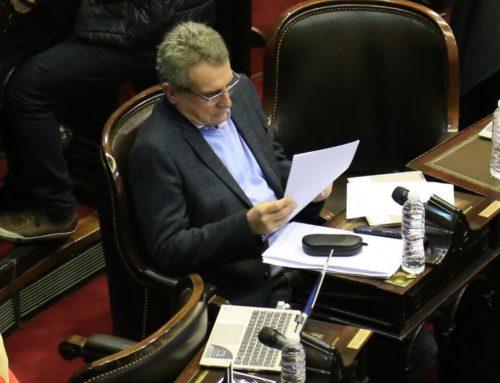 """Rossi en la sesión del FpV: """"Era el dia para pedir que el Acuerdo con el FMI pase por el Congreso"""""""