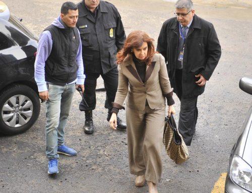 Cristina Fernández planteó la nulidad de la causa de las Coimas y pidió recusar a Bonadio