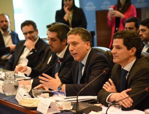 """Dujovne: """"La Argentina no está embarcada en ninguna negociación por el esquema monetario"""""""