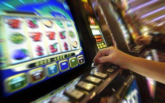 Proyecto de ley que plantea nuevas condiciones en salas de juegos para prevenir la ludopatía