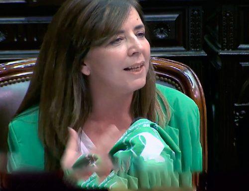 """Cerruti presentó proyecto para redactar todo en """"lenguaje inclusivo y no sexista"""""""