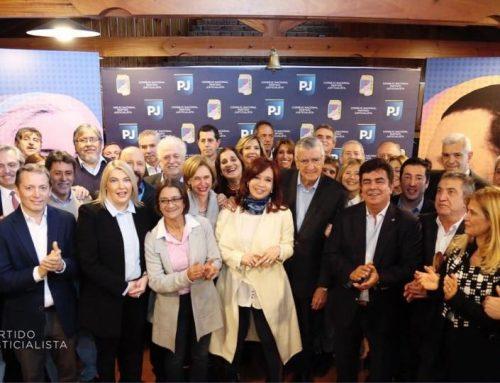 Tras 16 años, CFK participa en la Cumbre del PJ