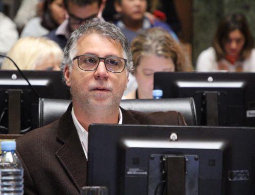 """Javier Andrade """"No queremos escuelas Coca-Cola ni hospitales McDonalds"""""""