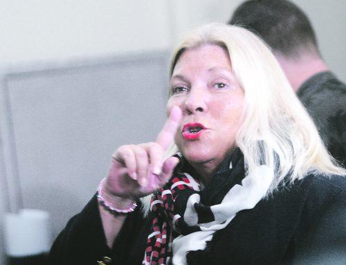 Por «desprestigiar» a Carrió, dos ex funcionarios de AFIP fueron procesados