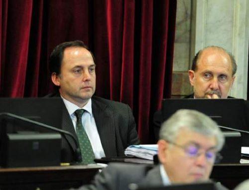Un senador del PJ quiere regular por ley la transición presidencial para evitar la «herencia recibida»
