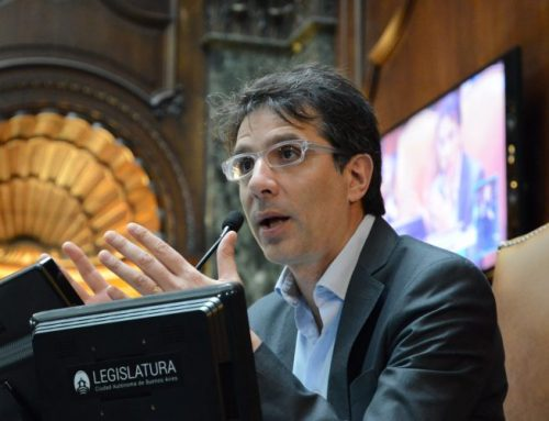 """Acevedo cruzó a la oposición: """"Nosotros combatimos la pobreza"""""""