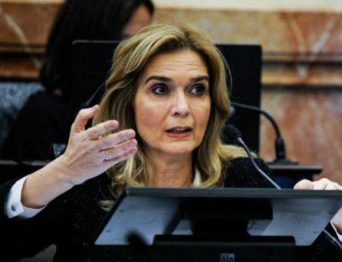 Elías de Pérez presenta un proyecto de Ley para crear el Consejo Económico y Social