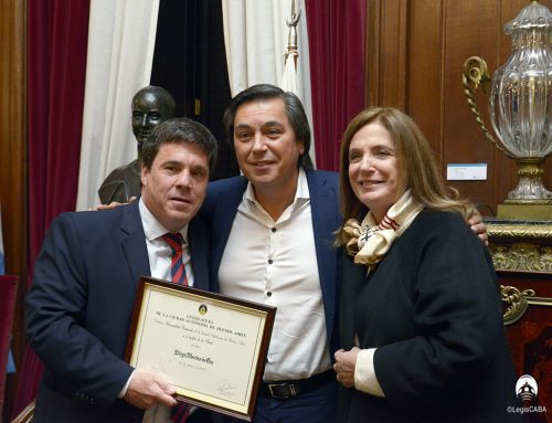 Distinguen en la Legislatura al pediatra Diego Montes de Oca