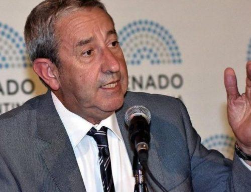 Cobos pide que las provincias sean las encargadas de los cuadernillos «Seguimos Educando»