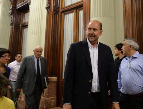 SANTA FE – Perotti: «El escenario optimista es llegar a mayo con 250 mil casos»