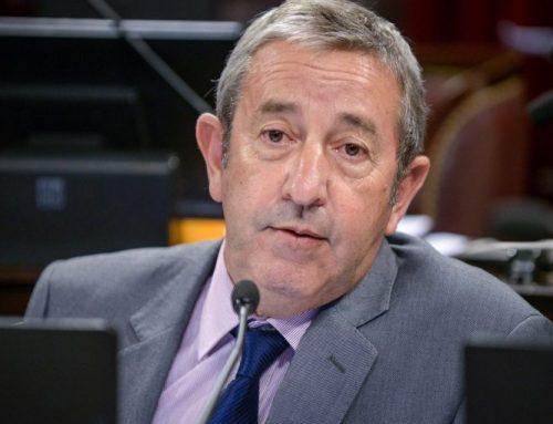 Cobos propone proteger los derechos de las personas vulnerados en internet