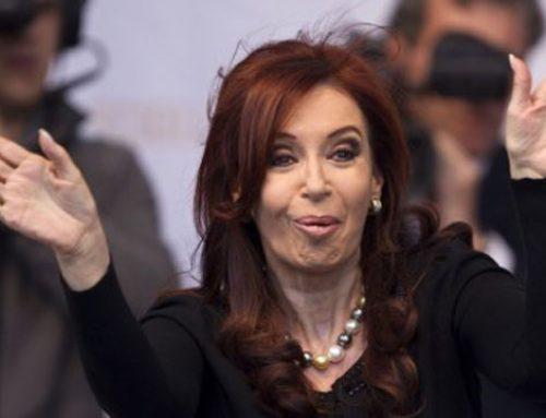 CFK chicaneó a Mauricio Macri previo al debate presidencial: «seguro que te vas a reir»