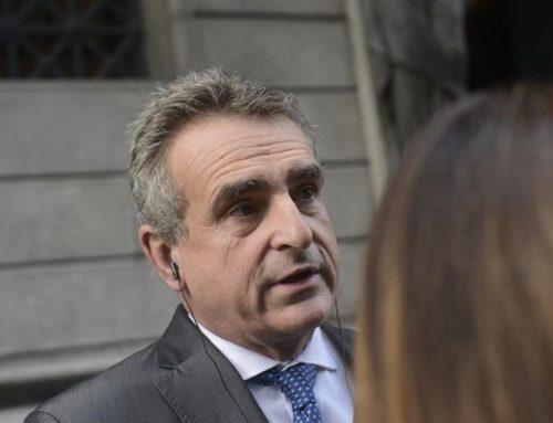 El llamativo tuit de Agustín Rossi en defensa del «dedito» de Alberto Fernández