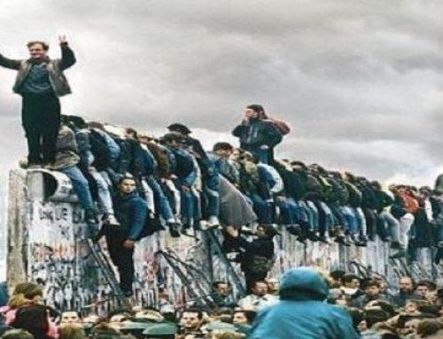 La ilusión y la realidad: a 30 años de la caída del muro de Berlín. Por Víctor Dante Aloé