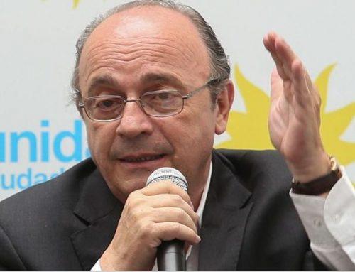 Moreau a la oposición: «deben dar quórum y respaldar el proyecto de la deuda»