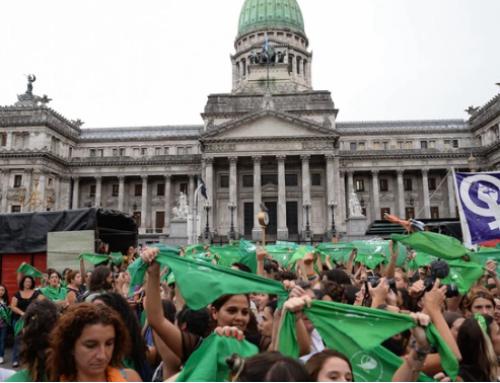 La estrategia del aborto en el Congreso: ¿Despenalización o Legalización?