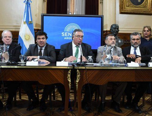 URGENTE: El ministro de trabajo suspende su visita al Senado por la crisis en los bancos