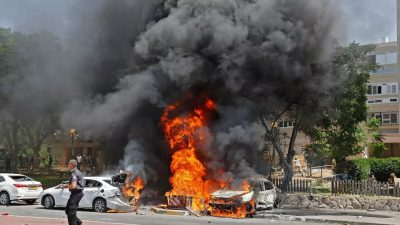 «El terrorismo israelí bombardeo Gaza elevando a 122 los mártires palestinos» por Suhail Hani Daher Akel